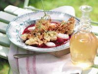 Holunderblüten in Sektteig ausgebacken auf Himbeerpüree Rezept