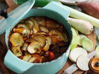 Hot Pot mit Rind, Süßkartoffeln und Wurzelgemüse Rezept