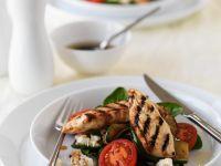 Hühnchenfilet vom Grill mit Salat Rezept