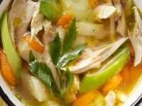 Hühnerbrühe mit Gemüse Rezept