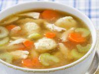 Hühnerbrühe mit Gemüse und Nockerl Rezept