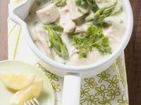 Hühnerfrikassee mit Erbsen und grünem Spargel Rezept