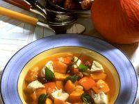 Hühnersuppe mit Kürbis und Hähnchenbrust Rezept