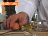 Wie Sie ein hartgekochtes Ei perfekt pellen