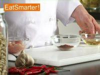 Wie Sie Hähnchenbrust-Filetwürfel aromatisch marinieren