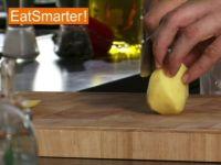 Wie Sie rohe Kartoffeln am besten in Stifte schneiden