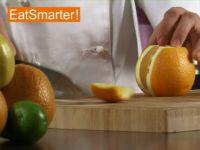 Wie Sie eine Orange richtig schälen und in Scheiben schneiden