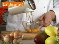Wie Sie gekonnt Eigelb mit Zucker schaumig rühren