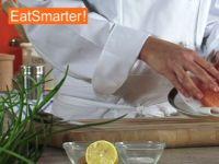 Wie Sie Lachsfilet ganz einfach in dünne Scheiben schneiden
