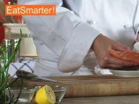 Wie Sie Lachsfilet problemlos in Würfel schneiden
