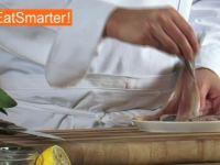 Wie Sie ein Matjesfilet gekonnt in feine Würfel schneiden