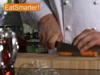 Wie Sie Möhren ganz einfach in schräge Stücke schneiden