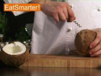 Wie Sie eine Kokosnuss mühelos anbohren