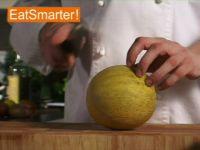 Wie Sie mühelos Kugeln aus einer Melone ausstechen