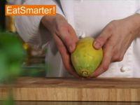 Wie Sie eine Papaya problemlos schälen und entkernen