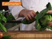 Wie Sie Spitzkohl richtig in Streifen schneiden