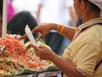 Was ist beim Essen auf Reisen in ferne Länder wichtig?