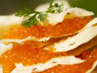 Indisches Fladenbrot (Papadams) mit Kaviar Rezept