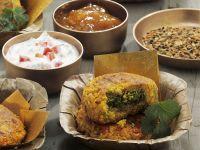 Indisches Kartoffelküchlein mit Koriander (Aloo Tikki)