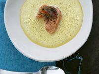 Ingwer-Karotten-Suppe mit gepfeffertem Lachs Rezept
