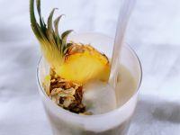 Joghurt mit Müsli und Ananas Rezept