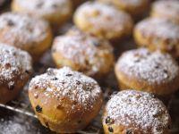 Joghurt-Vanille-Muffins mit Rosinen Rezept