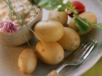Junge Kartoffeln mit bayerischem Käsedip (Obatzta) Rezept