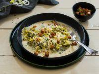 Käse-Lauch-Suppe mit Tofuwürfeln Rezept