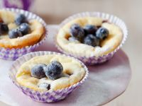Käsekuchen-Muffins mit Blaubeeren Rezept