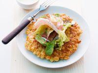 Käserösti mit Schinken und Salat Rezept