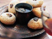 Kaffee-Nussplätzchen Rezept