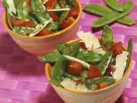 Kaiserschotensalat mit Parmesan Rezept