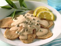 Kalbsfleisch mit Kapern-Thunfisch-Soße (Vitello tonnato)