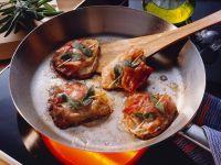 Kalbsschnitzel mit Salbei und Schinken Rezept
