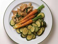 Kalbsschnitzel mit Salbei und Zucchini-Möhren-Gemüse Rezept