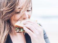 Wie viele Kalorien pro Tag sollte man essen, um abzunehmen?
