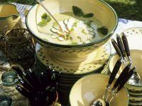 Kalte Gemüse-Apfelsuppe Rezept