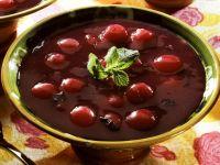 Kalte Kirsch-Rotwein-Suppe Rezept
