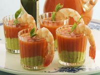 Kalte spanische Gemüsesuppe mit Shrimps Rezept