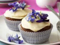 Karotten-Cupcakes mit Blüten Rezept