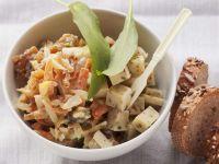 Karottensalat mit Apfel und Käse Rezept