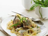 Karpfen mariniert mit Zwiebeln Rezept