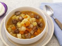Kartoffel-Bratwurst-Eintopf Rezept