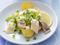 Kartoffel-Herings-Salat mit Schnittlauch Rezept