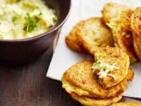 Kartoffel-Kohlrabi-Küchlein mit Apfel-Rettich-Salat Rezept