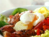 Kartoffel-Romasalat mit Ei und Makrele