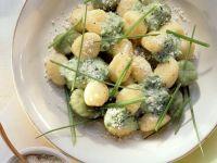 Kartoffelgnocchi mit Kräutersoße Rezept