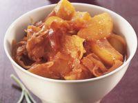 Kartoffelgulasch mit Sauerkraut Rezept