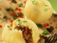 Kartoffelklöße mit Hackfleischfüllung Rezept