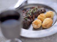 Kartoffeln in Knoblauchbutter und Hirschrücken Rezept